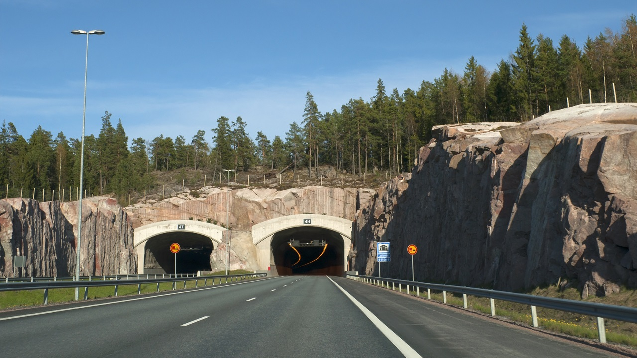 Peajes de autopista en Finlandia 2021: Precios, cómo pagar y tramos con peajes | © Dreamstime.com