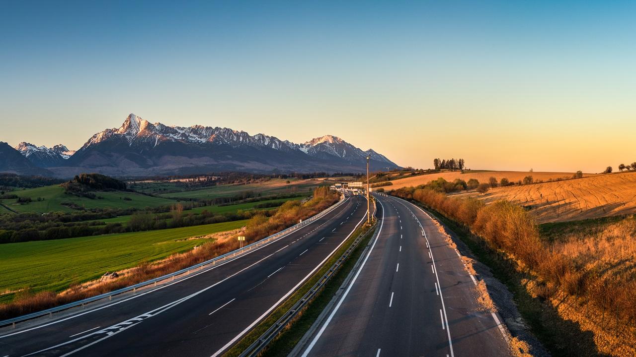 Diaľničná známka Slovensko 2021: Cena, kde kúpiť, platené úseky | ©