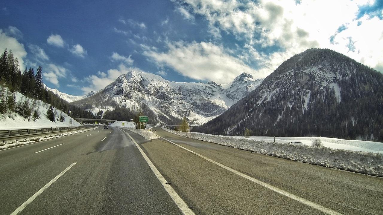 Diaľničná známka Slovinsko 2021: Cena, kde kúpiť, platené úseky | © Dreamstime.com