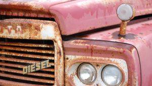 Cómo arreglar óxido en chapa de coche