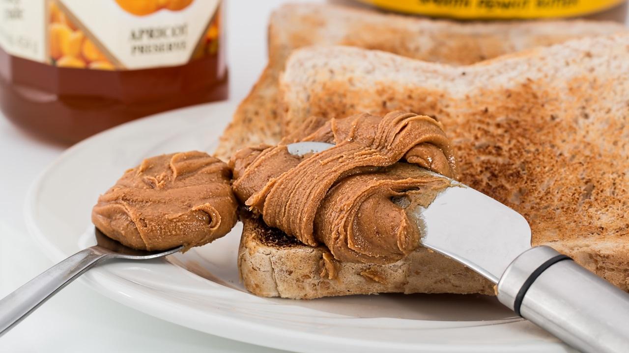 Cómo comer crema de cacahuete   © Pixabay.com