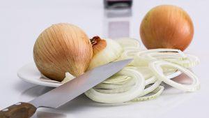 Cómo cortar cebolla en juliana