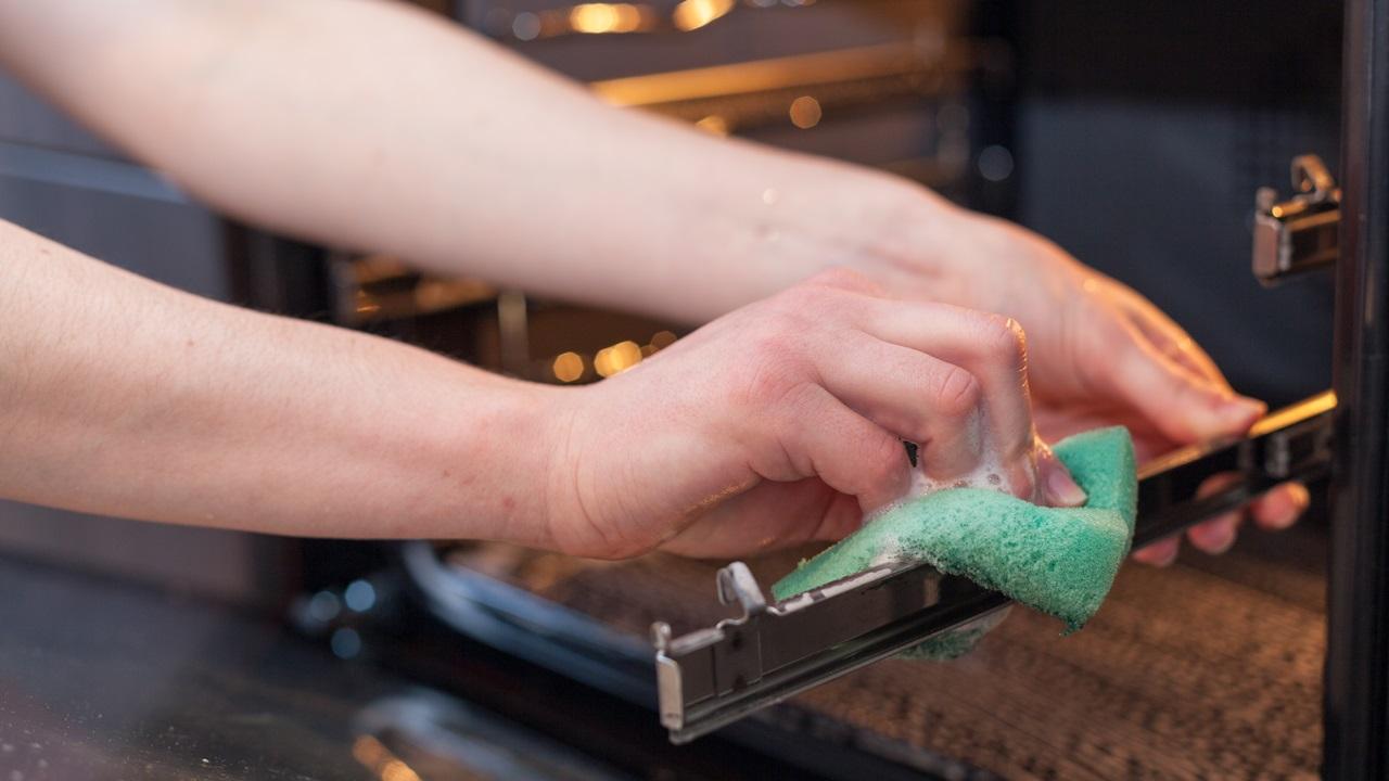 Cómo limpiar horno | © Dreamstime.com