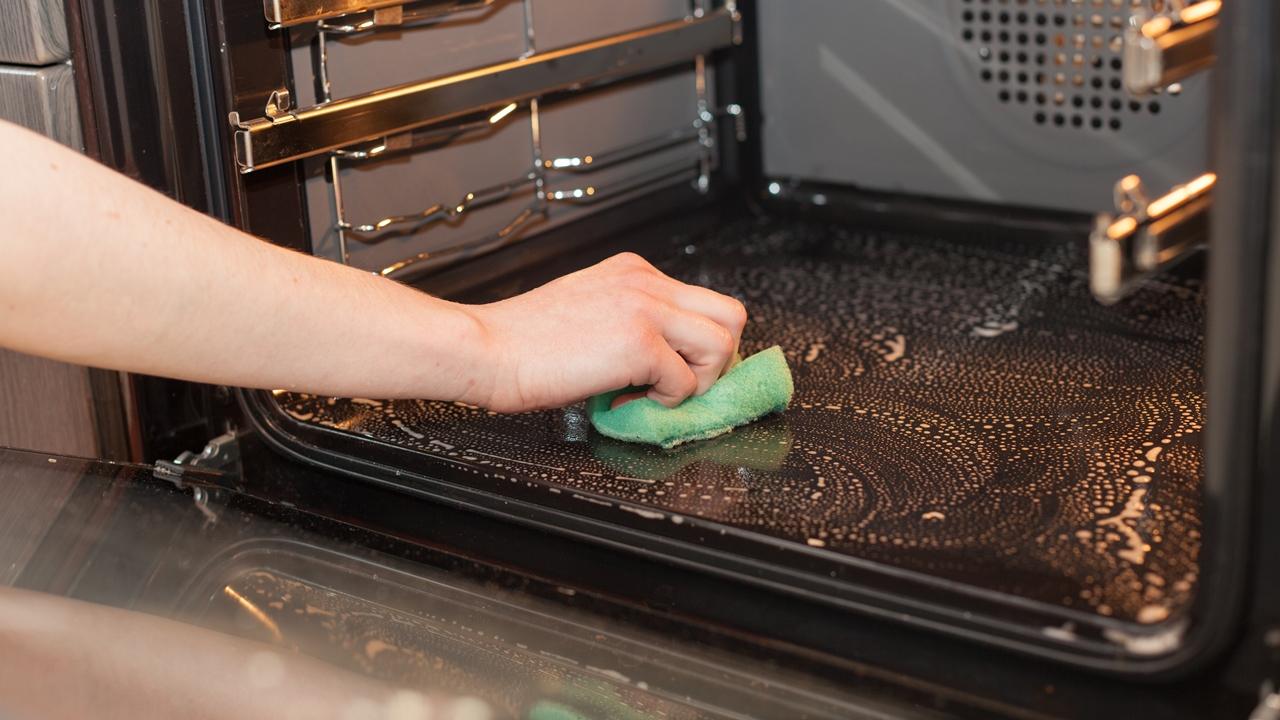 Cómo limpiar microondas | © Dreamstime.com