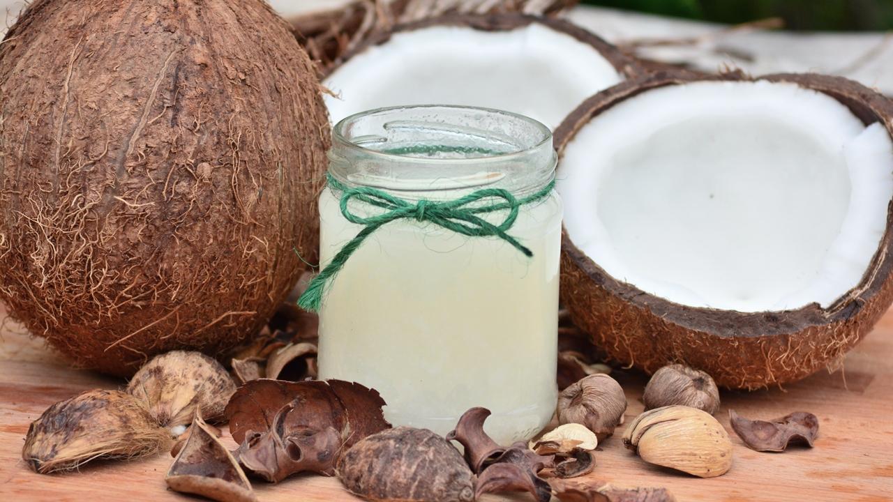 Cómo usar aceite de coco para el pelo | © Pixabay.com