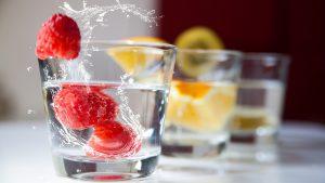 Por qué es bueno beber mucha agua