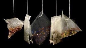 Ako dlho lúhovať čierny čaj