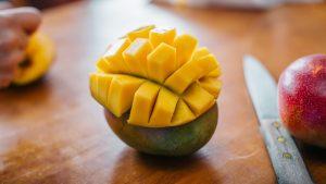 Ako ošúpať mango