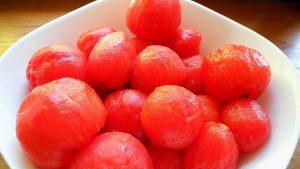 Ako ošúpať paradajky